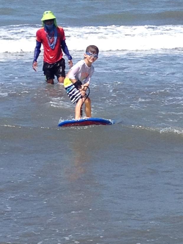 Emilio Surfeando