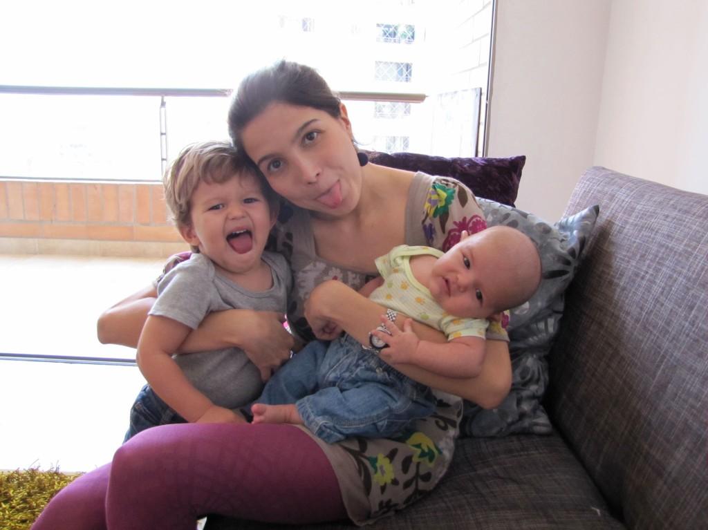 Las etapas de la maternidad. Mesa en Blanco